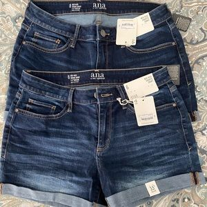 Denim NWT mid rise shortie short size 6 and 8